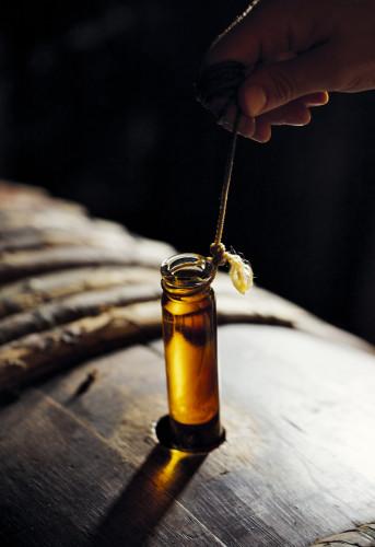 Prélèvement d'échantillons, Chai du Fondateur, Cognac