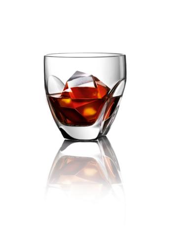 Hennessy X.O & Ice - Hennessy on Three Rocks
